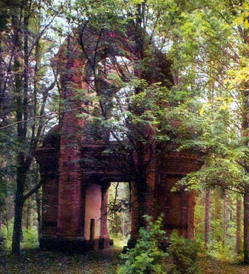 Колокольня церкви на Игуменском кладбище. 1876 г.